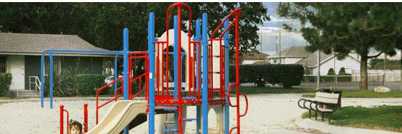 Le Bard Park playground photos